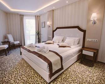 Elixir Medical Wellness Hotel - Mórahalom - Schlafzimmer