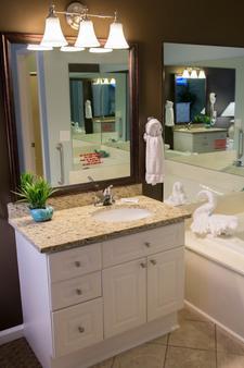 Plantation Resort - Surfside Beach - Bathroom