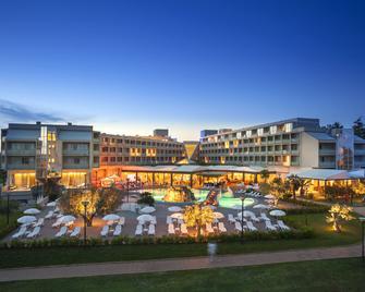 Aminess Maestral Hotel - Novigrad (Istarska) - Gebouw