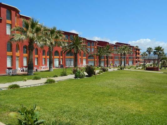 Puerto Nuevo Baja Hotel & Villas - Puerto Nuevo - Building