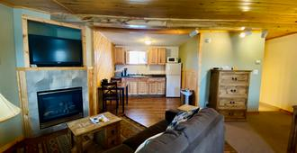 Salida Inn & Monarch Suites - Salida - Living room