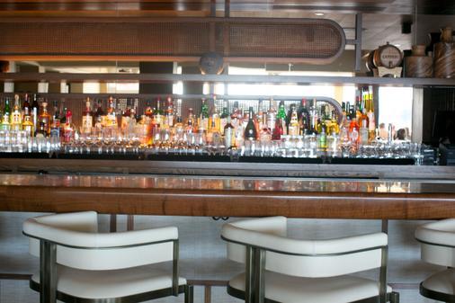 Gurney's Newport Resort & Marina - Newport - Bar