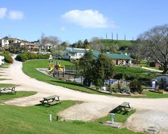 Waitomo Top 10 Holiday Park - Waitomo - Außenansicht