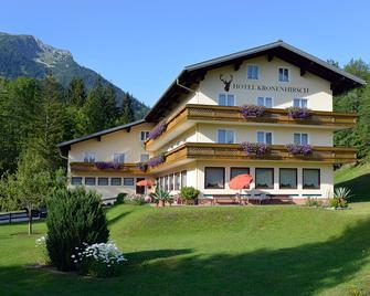 Hotel Kronenhirsch - Rußbach am Pass Gschütt - Gebäude