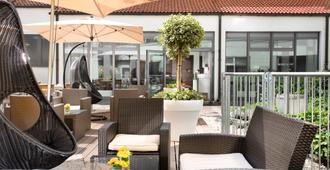 Hotel Berlin, Berlin - Berlín - Patio