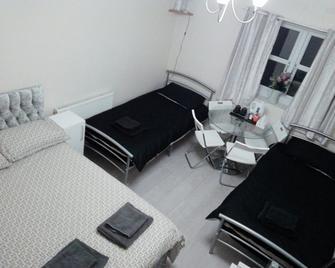 Regent Guest House - Grimsby - Bedroom