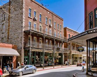 New Orleans Hotel Eureka Springs - Eureka Springs - Building