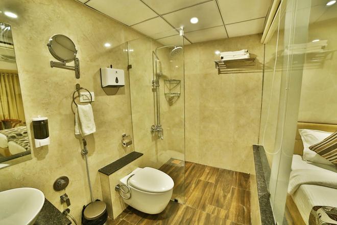 Hotel King's Heritage - Sūrat - Bathroom