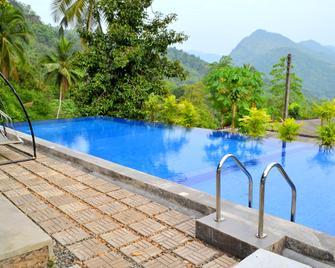 Kithulvilla Holiday Bungalow - Kitulgala - Pool