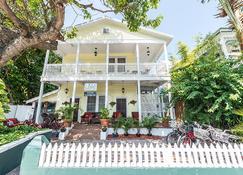 Wicker Guesthouse - Key West - Building
