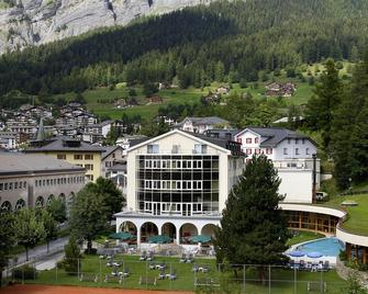 Thermalhotels & Walliser Alpentherme Spa - Leukerbad - Byggnad