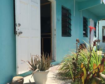 Vicky's Keys - Hostel - Philipsburg - Vista del exterior