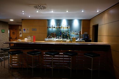 Hotel Silken Puerta Madrid - Madrid - Bar