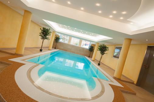 Moin! Hotel Cuxhaven - Cuxhaven - Bể bơi