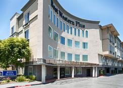 Best Western Plus Avita Suites - Torrance - Building