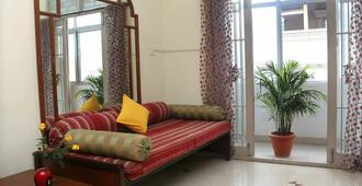 Happy Planet - Chennai - Living room
