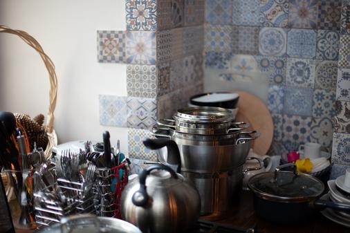 Taiga Hostel - Saint Petersburg - Kitchen