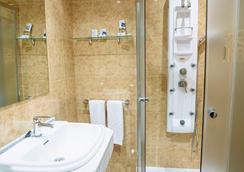 Hotel Arcos - Ciudad Rodrigo - Bathroom