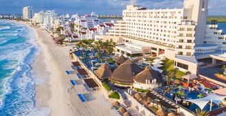 坎昆皇家索拉里斯酒店 - 坎昆 - Cancun/坎康