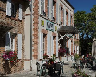 Hôtel et Restaurant La Sauldraie - Salbris - Gebouw