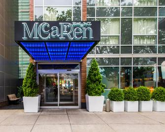 Mccarren Hotel & Pool - Brooklyn - Edificio