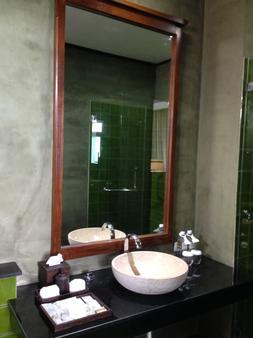 諾拉布里水療度假村 - 蘇梅島 - 浴室