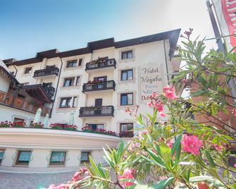 Hotel Majorka - Andalo - Building