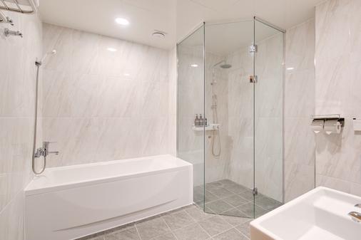 Hotel M - Seoul - Bathroom