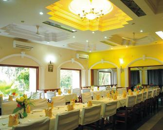 Hotel badami court - Bādāmi - Restaurant