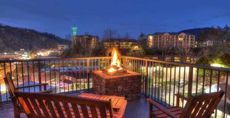 Black Bear Inn & Suites - גאטלינברג - שירותי מקום האירוח