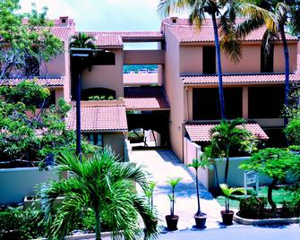 Park Royal Homestay Club Cala Puerto Rico - Умакао - Building