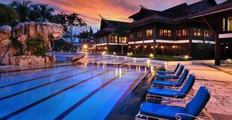 蒲萊泉度假村 - 新山 - 游泳池