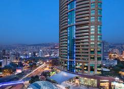 Hilton Beirut Habtoor Grand - Beirut - Building