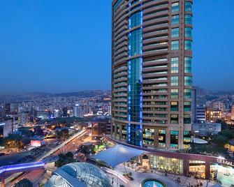 Hilton Beirut Habtoor Grand - Bejrút - Building