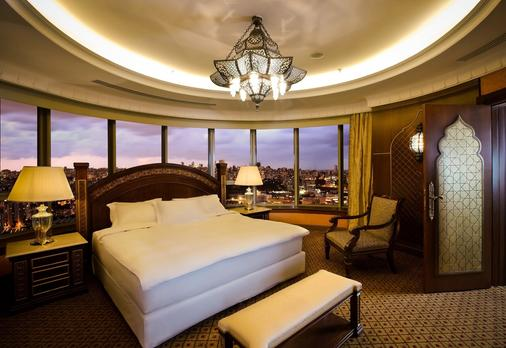 Hilton Beirut Habtoor Grand - Beirut - Bedroom