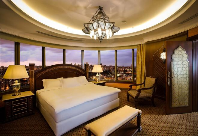 Hilton Beirut Habtoor Grand - Beirut - Bedroom