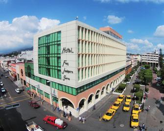 Hotel Fray Junípero Serra - Тепік - Building