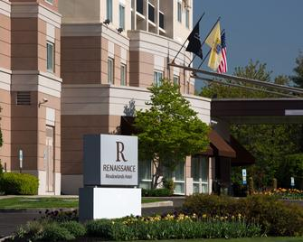 Renaissance Meadowlands Hotel - Rutherford - Building