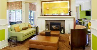 Hilton Garden Inn Savannah Midtown - Savannah - Living room