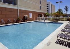 Hilton Garden Inn Savannah Midtown - Savannah - Bể bơi