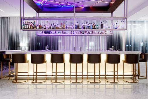 羅利北山萬豪ac酒店 - 羅利 - 酒吧
