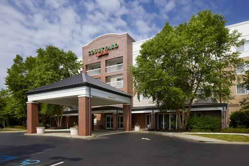 Courtyard by Marriott Edison Woodbridge - Edison - Building