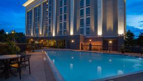 Hampton Inn Orlando-International Airport - Orlando - Pool