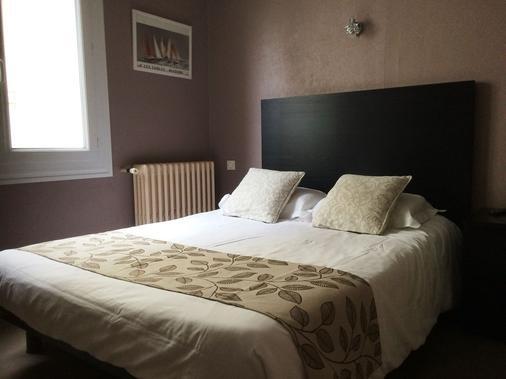 Hotel Les Voyageurs - Les Sables-d'Olonne - Bedroom