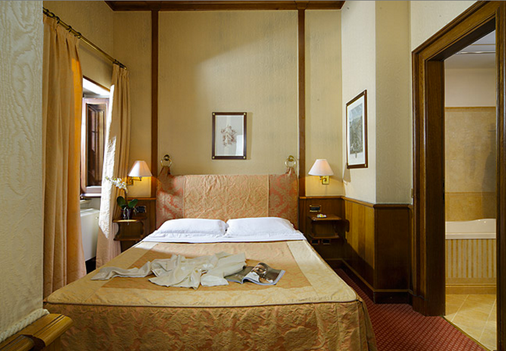 Hotel Pantheon - Rome - Bedroom