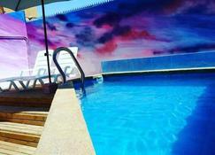 Aotea Hostel Iquique - Iquique - Pool