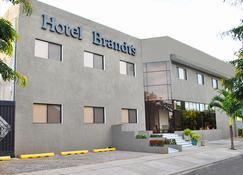 Hotel Brandt Ejecutivo Colonial Los Robles - Managua - Edificio