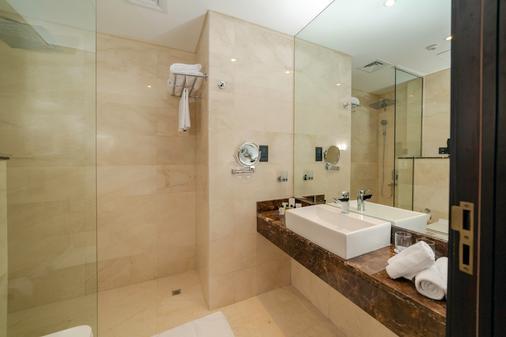 Occidental IMPZ Dubai Conference & Events Centre - Dubai - Phòng tắm