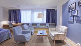 Icelandair Hotel Reykjavik Natura - Reykjavik - Living room