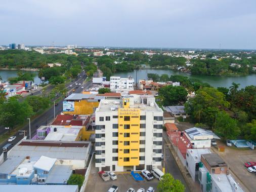 Hotel & Suites Real del Lago - Villahermosa - Gebäude